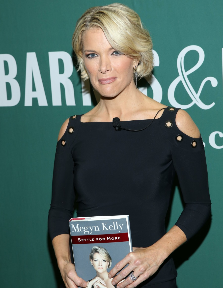 Megyn Kelly signs copies of 'Settle For More' at Barnes & Noble  bitchy | NBC accused of 'whitewashing' for changing Tamron Corridor with Megyn Kelly wenn30368933