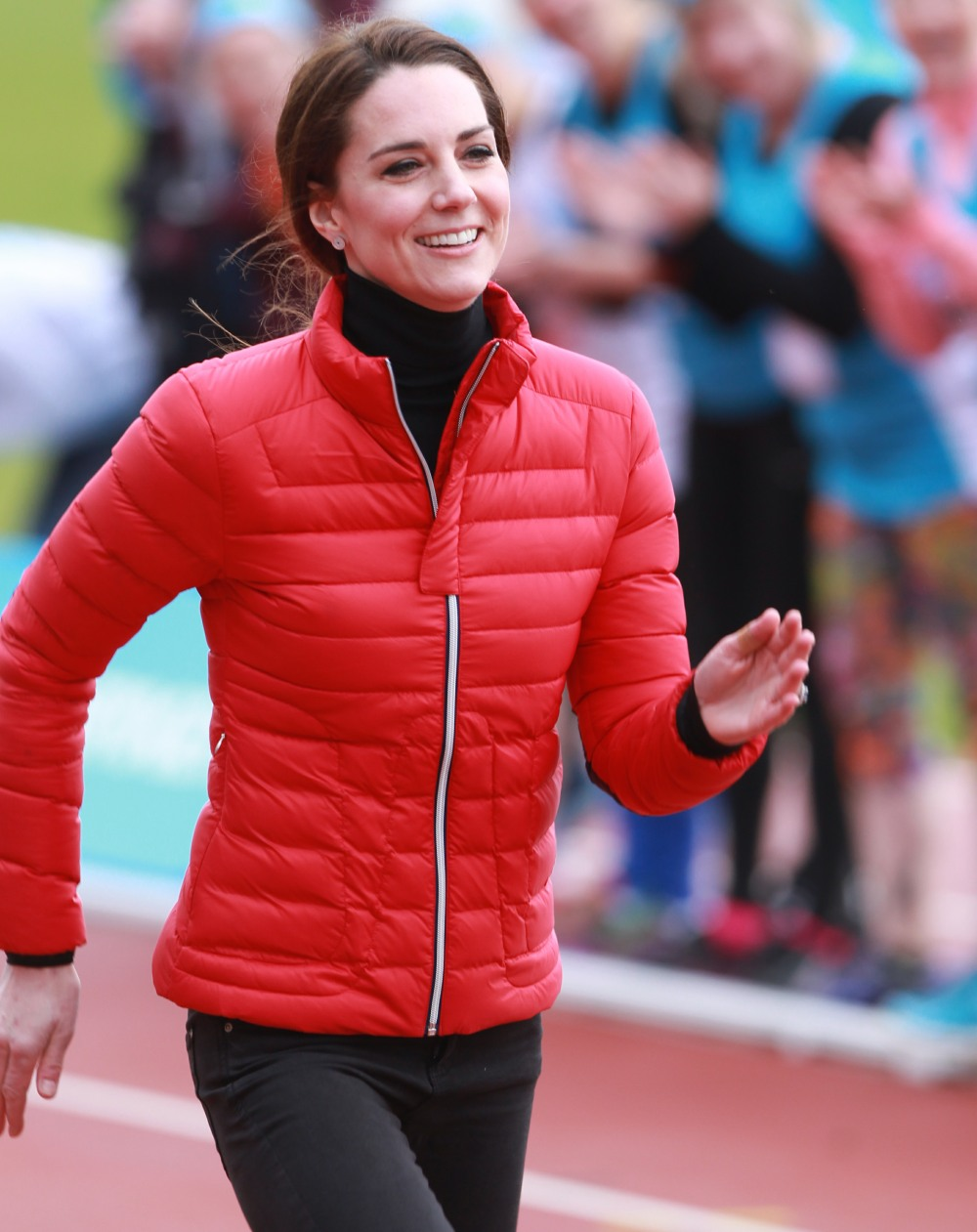 2017 Virgin Money London Marathon for Heads Together Training Day  bitchy | Duchess Kate wore skinny denims & a £280 ski jacket to dash in London wenn30856709