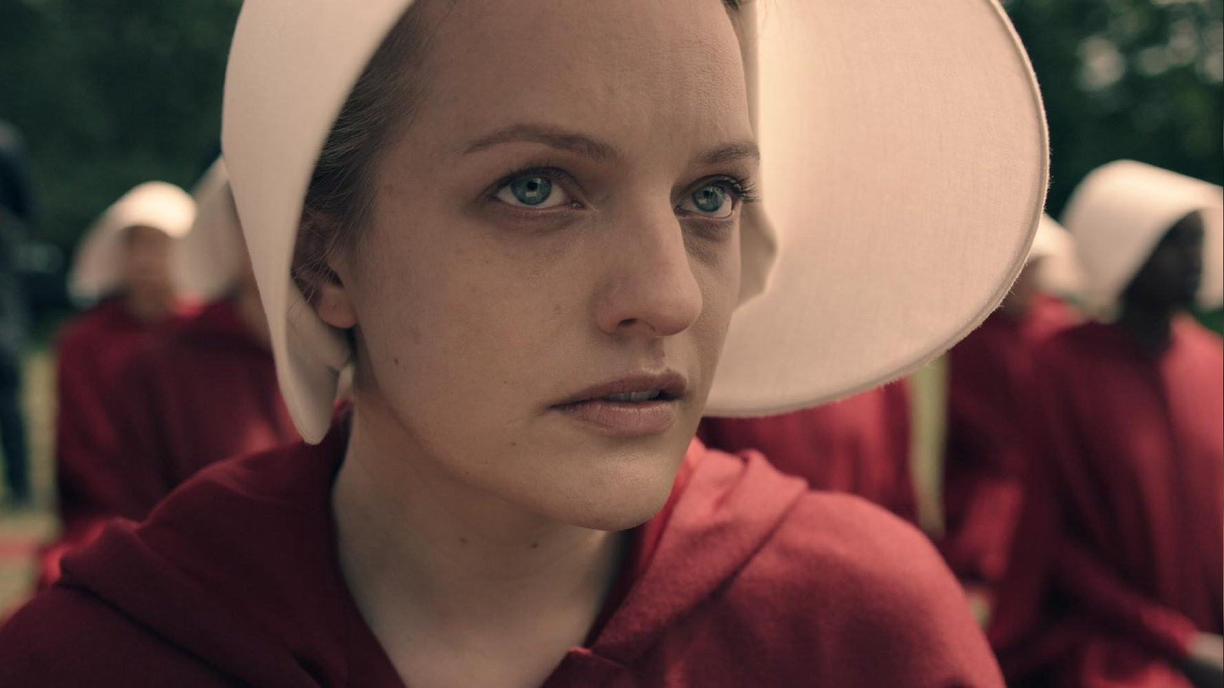 Elisabeth Moss & Margaret Atwood discuss new 'Handmaid's Tale' series