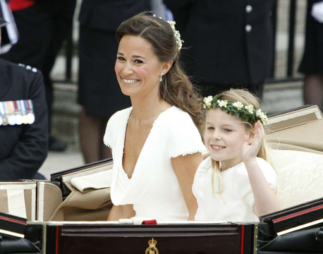 The Sun: Pippa Middleton will arrive to her wedding via horse-drawn carriage