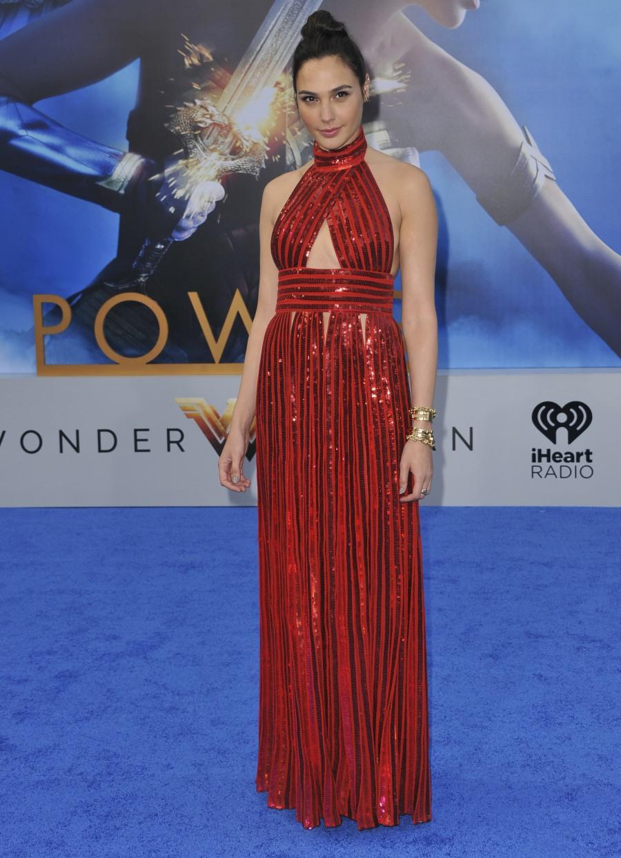 Lynda Carter & Gal Gadot looked amazing at the 'Wonder Woman' premiere