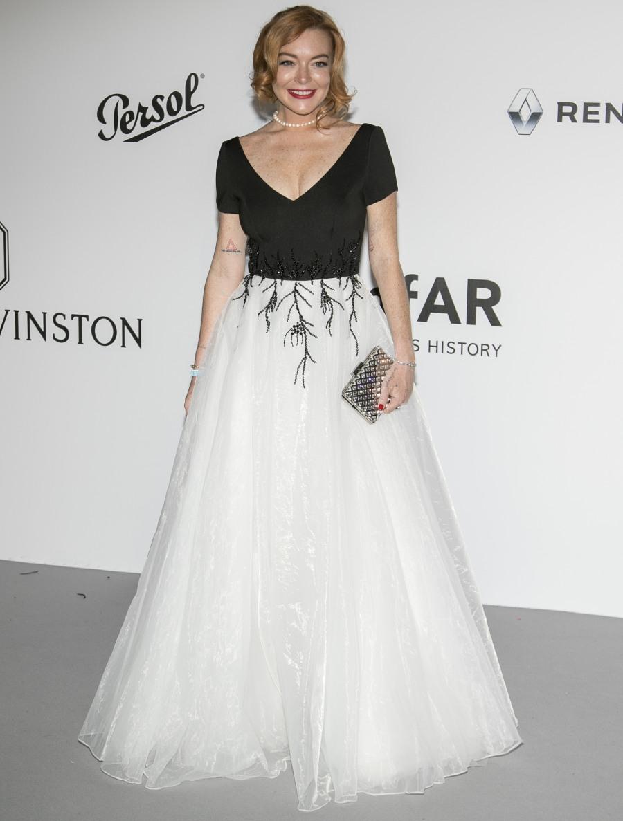 Lindsay Lohan reemerged for the Cannes amfAR gala: messy or fine?