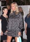 Lindsay Shookus, la novia de Ben Affleck, se viste con un vestido suelto, alimentando la especulación de que ella está embarazada mientras está visto después de asistir a un Pre Emmy Partido en El Chateau Marmont