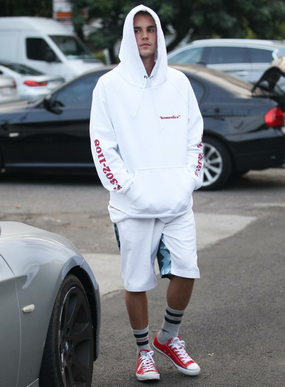 Justin Bieber runs errands the same day he was spotted having breakfast with Selena Gomez