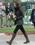 La Duquesa de Cambridge visitas Robin Hood de la Escuela Primaria
