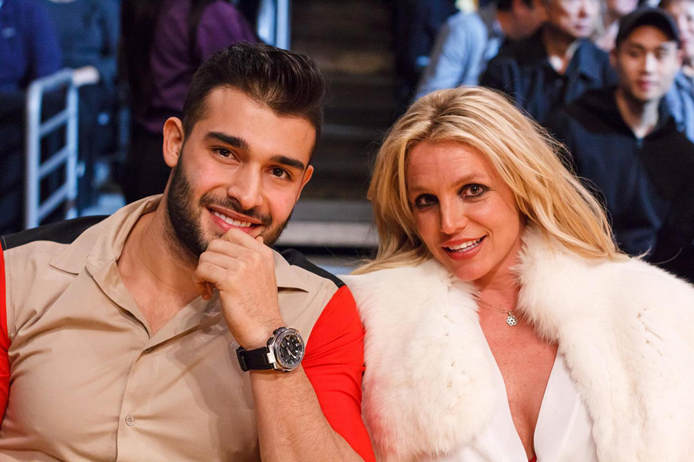 Britney Spears and boyfriend Sam Asghari attend Lakers vs the Golden State Warriors in Downtown Los Angeles