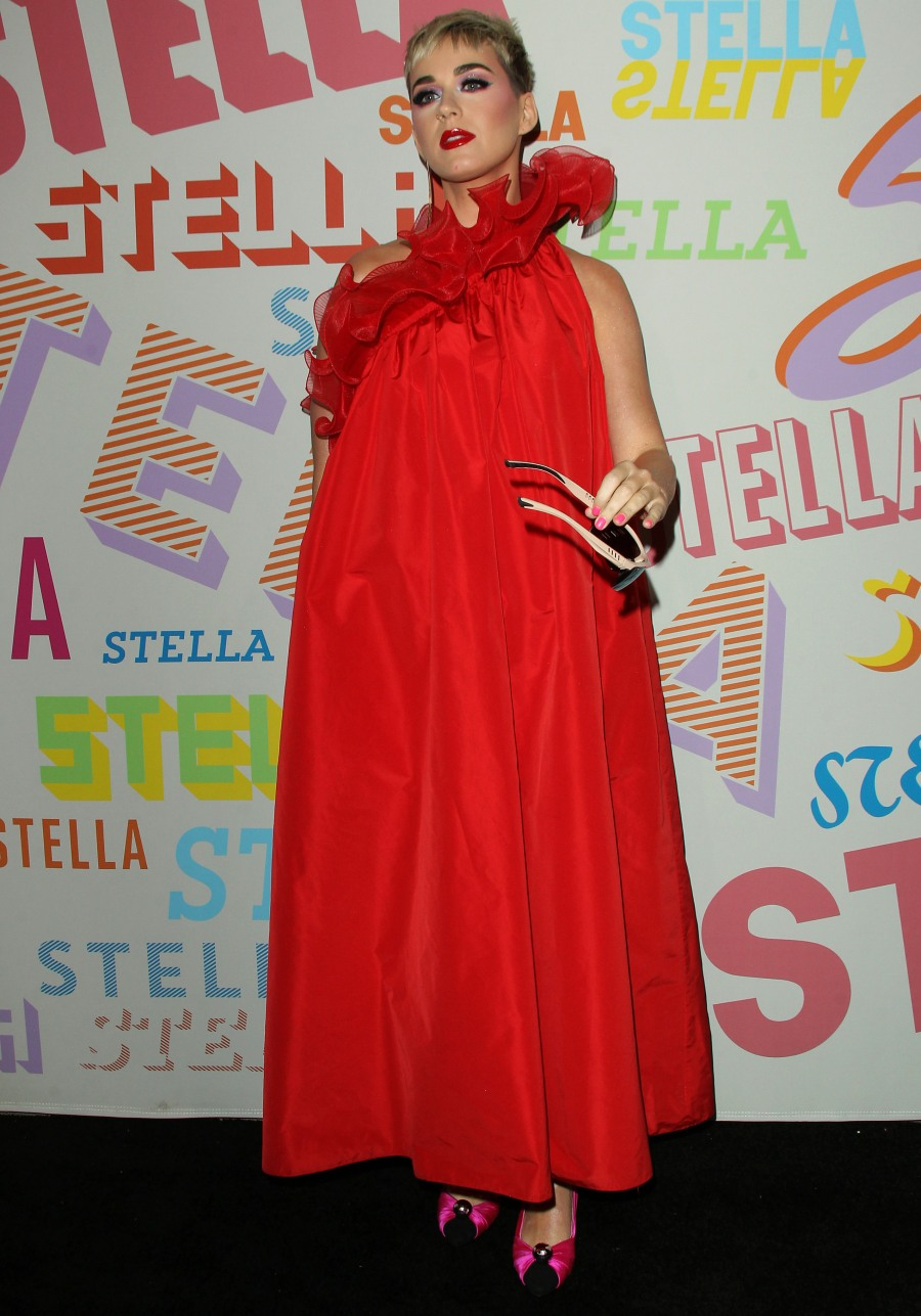 """""""Katy Perry's sack dress was 'designed' by Stella McCartney, obviously"""" links"""